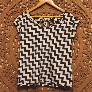 Tops - Black and white graphic blouse